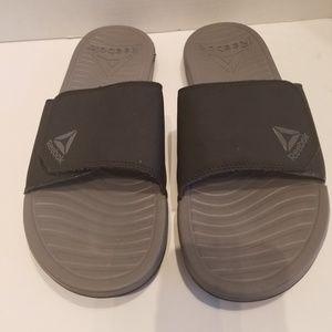 Reebok Mens Slide Sandals. NEW